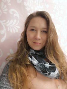 KatrinRadschinsky Ansprechpartner 768x1024 1